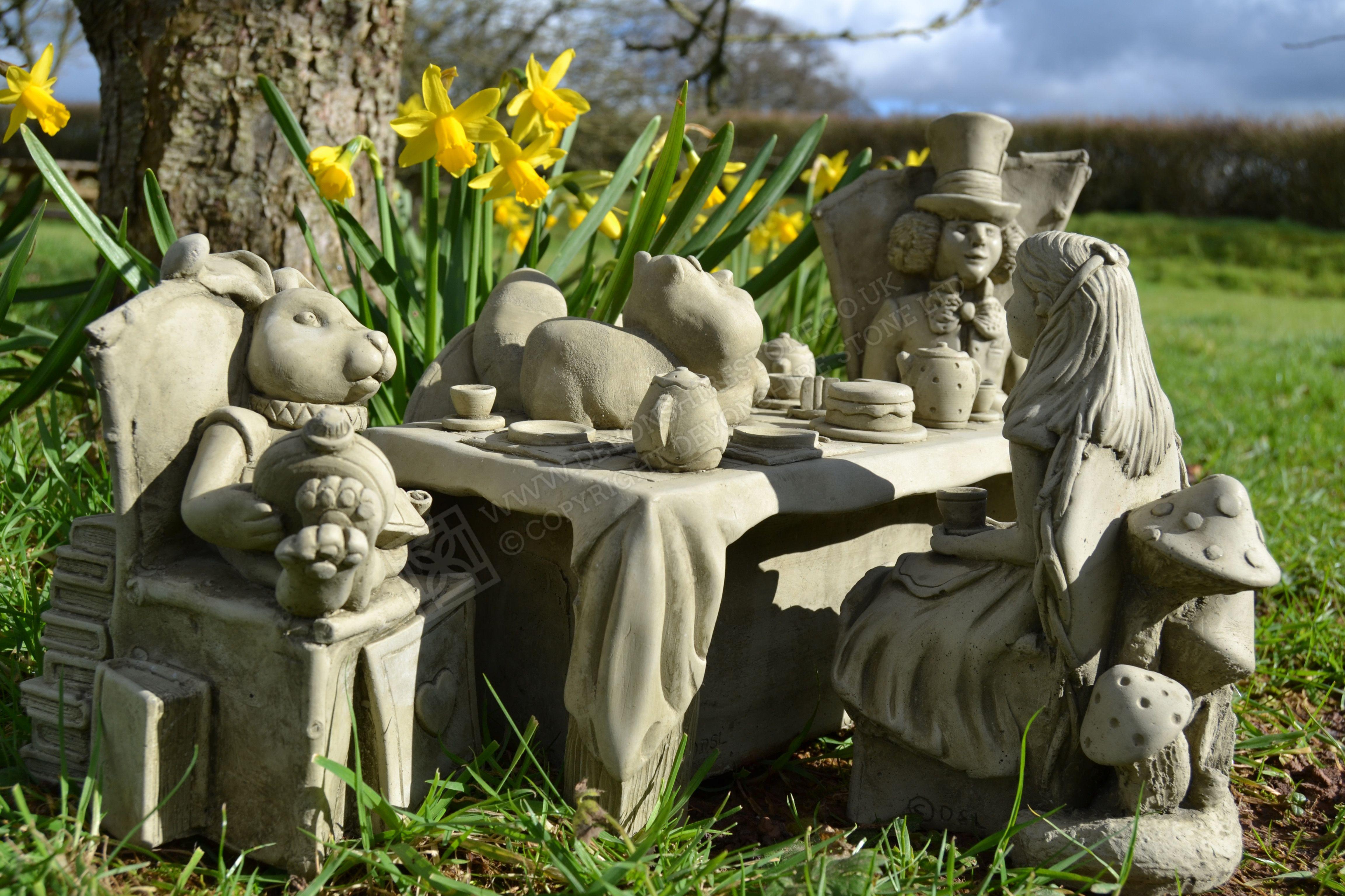 Hand Made In Devon In 2020 Alice In Wonderland Garden 640 x 480