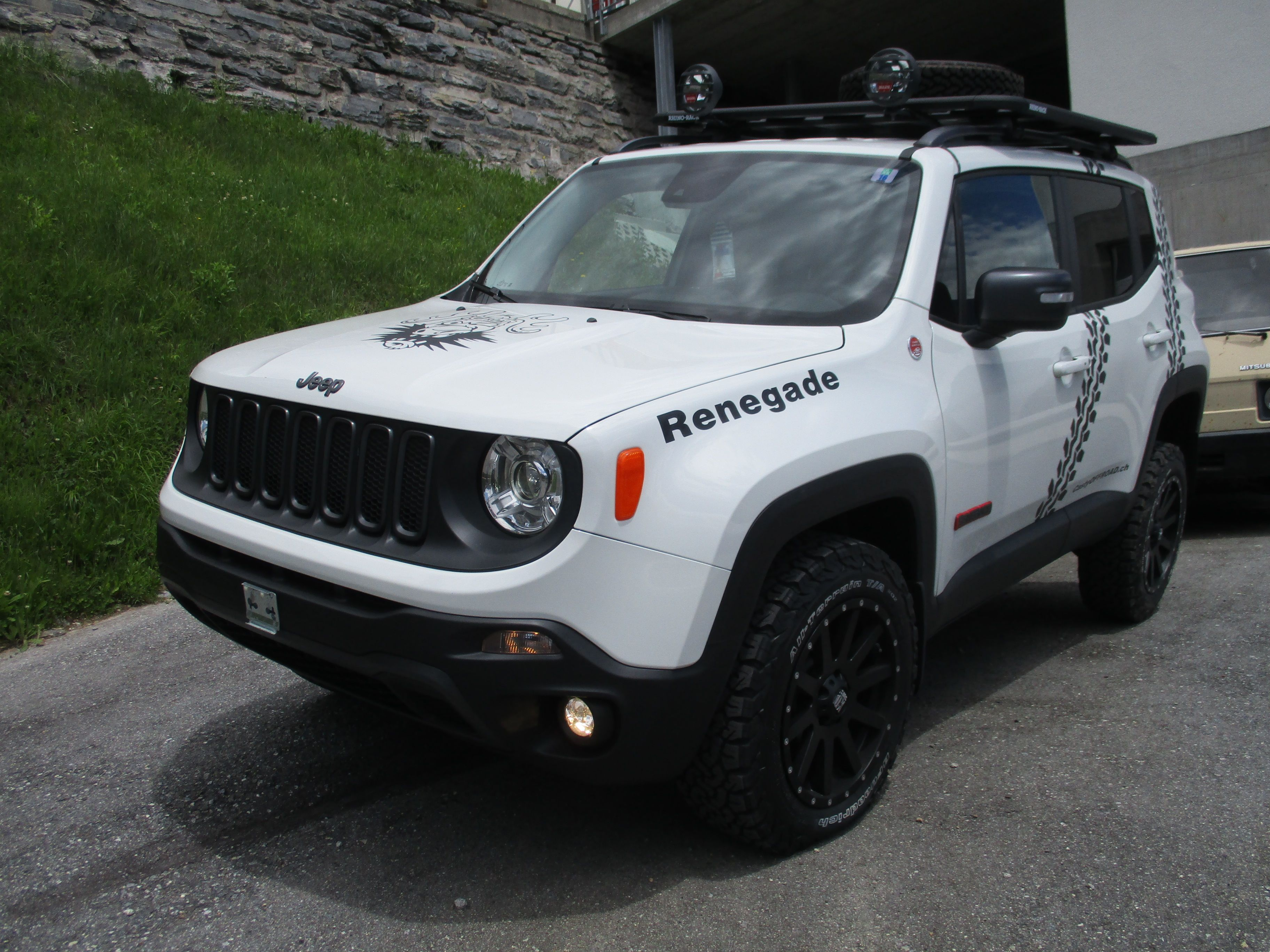 Jeep renegade casty off road