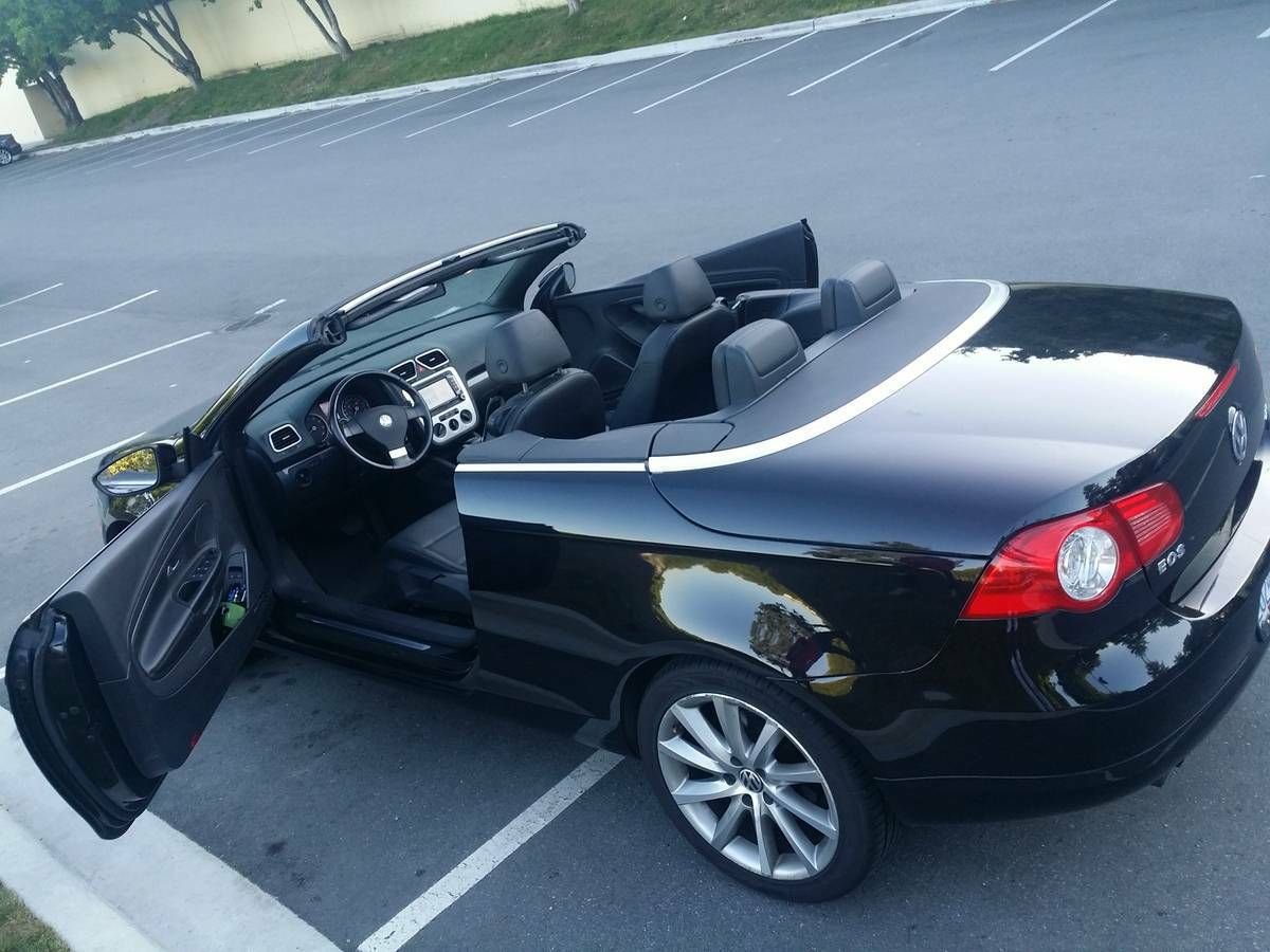 2009 Volkswagen EOS Highline w. DVD and GPS Vw eos