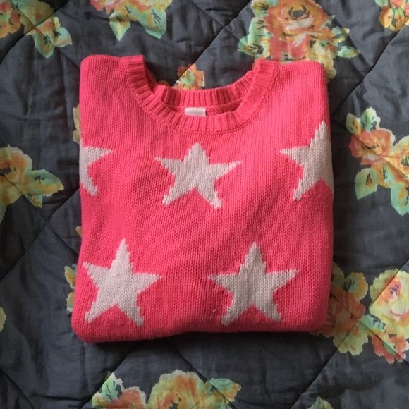 VS/PINK Star Sweater This cute & cozy sweater has been worn, but shows minimal signs of wear! There are no rips, holes, or stains! This sweater has a small tag on the bottom left front corner which reads 'PINK' & is perfect for chilly days and layering! Looks absolutely wonderful with leggings! Cheaper thru 🅿️🅿️ or Ⓜ️erc! ($20!) PINK Victoria's Secret Sweaters Crew & Scoop Necks