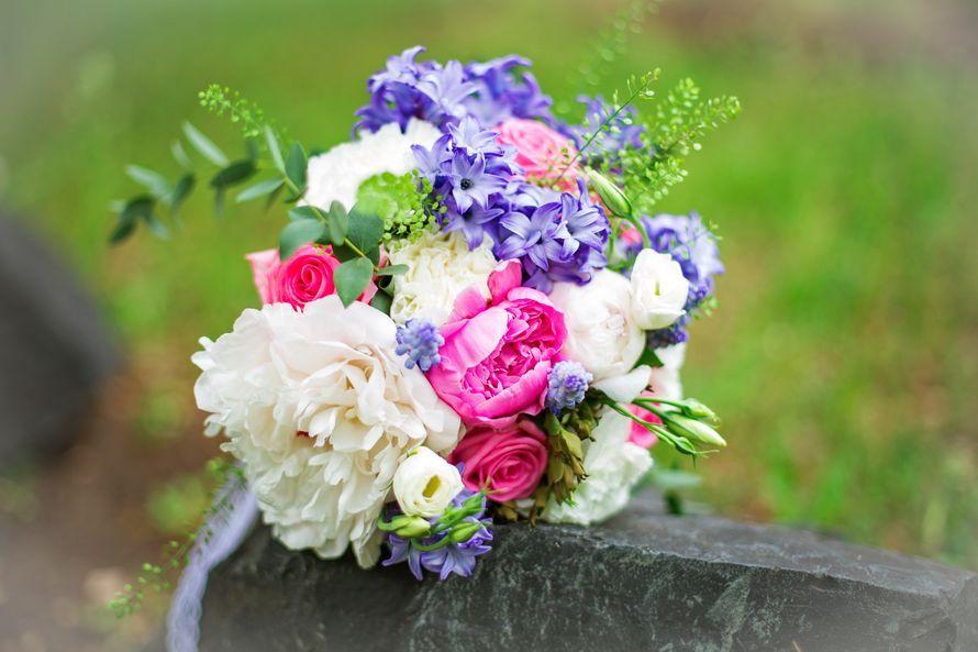 Свадебные букеты из синих гиацинтов, цветов екатеринбурге