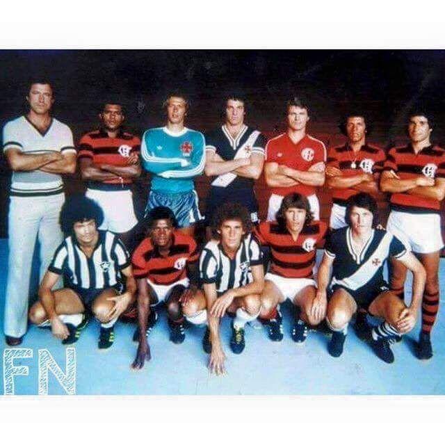 Seleção do Campeonato Carioca de 1978 : Em Pé: Claudio Coutinho (Técnico do Flamengo), (2)Toninho Baiano/Flamengo, (1)Leão/Vasco, (3)Abel/Vasco, (4)Alex/América-RJ, (6)Junior/Flamengo e (5)Paulo Cesar Carpegiani ; Agachados: (7)Dé Aranha/Botafogo, (8)Adilio/Flamengo, (9)Mendonça/Botafogo, (10)Zico/Flamengo e (11)Guina/Vasco : ** Campeão: Flamengo : *** Vice: Vasco : **** Artilheiros: Zico/Flamengo, Claudio Adão/Flamengo e Roberto Dinamite/Vasco com 19 gols cada.