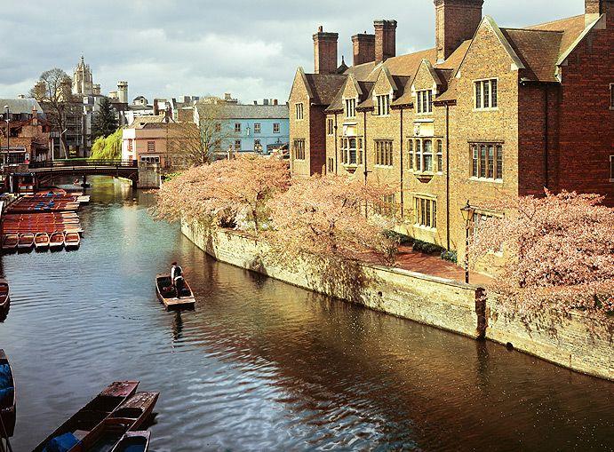 Punting The Varsity Hotel Spa Cambridge England Uk Www Scudamores