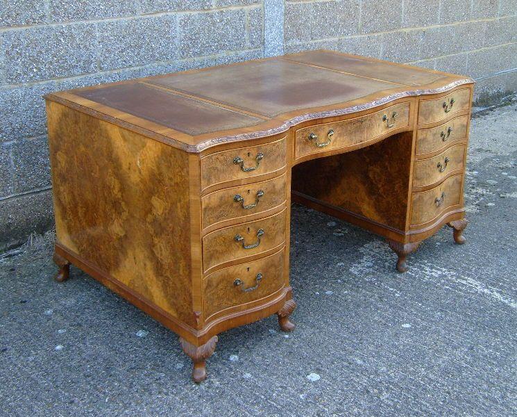 Large Antique 5ft Georgian Desk - Large Early Georgian Design Five Foot Antique  Walnut Twin Pedestal Desk - Large Antique 5ft Georgian Desk - Large Early Georgian Design Five