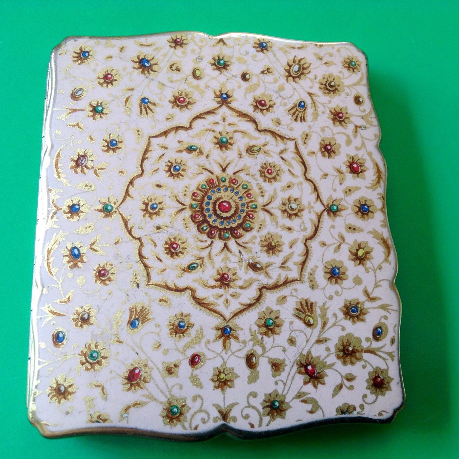 Elegant Stratton Cigarette Case. Women are using these as Credit ...