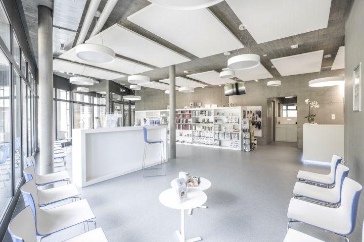 Veterinary Clinic Masans by Domenig Architekten, Chur ...