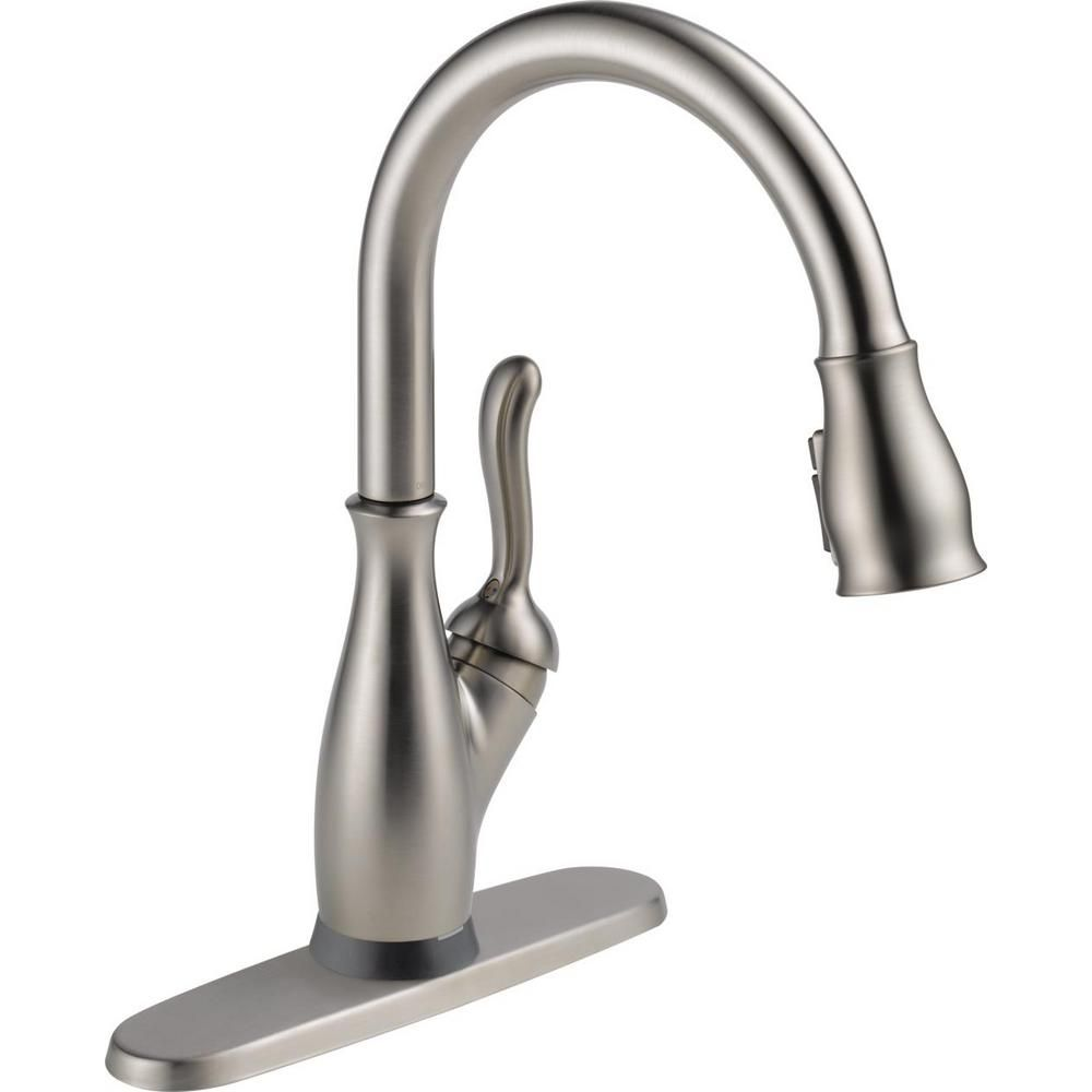 Delta Leland Single Handle Pull Down Sprayer Kitchen Faucet With