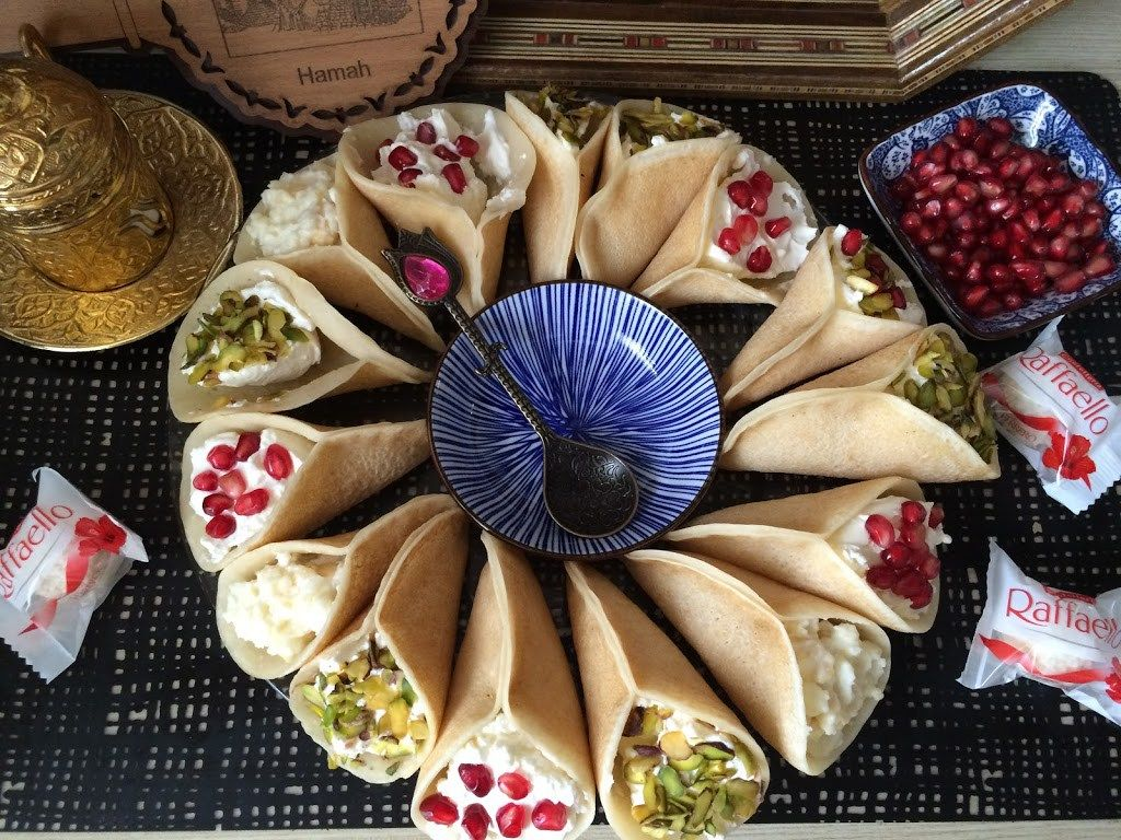atayef syrisches dessert ein muss nicht nur in ramadan atayef sind kleine leichte und. Black Bedroom Furniture Sets. Home Design Ideas