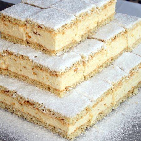 Egy finom Túrókrémes szelet ebédre vagy vacsorára  Túrókrémes szelet Receptek a Mindmegette hu Recept gyűjteményében! is part of Cake -