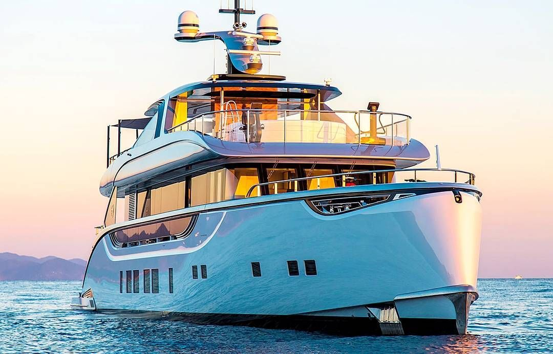 bedynamiq unveiled its first yacht the 39m Jetsetter at