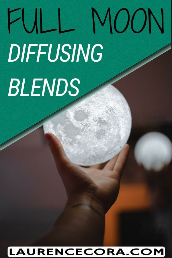 Full Moon Diffusing Blends to make the most of your full moon ritual for release and letting go of negative energy for optimum emotional healing. Check out the best essential oils to use during the full moon now! #essentialoils #fullmoonritual #mentalheal