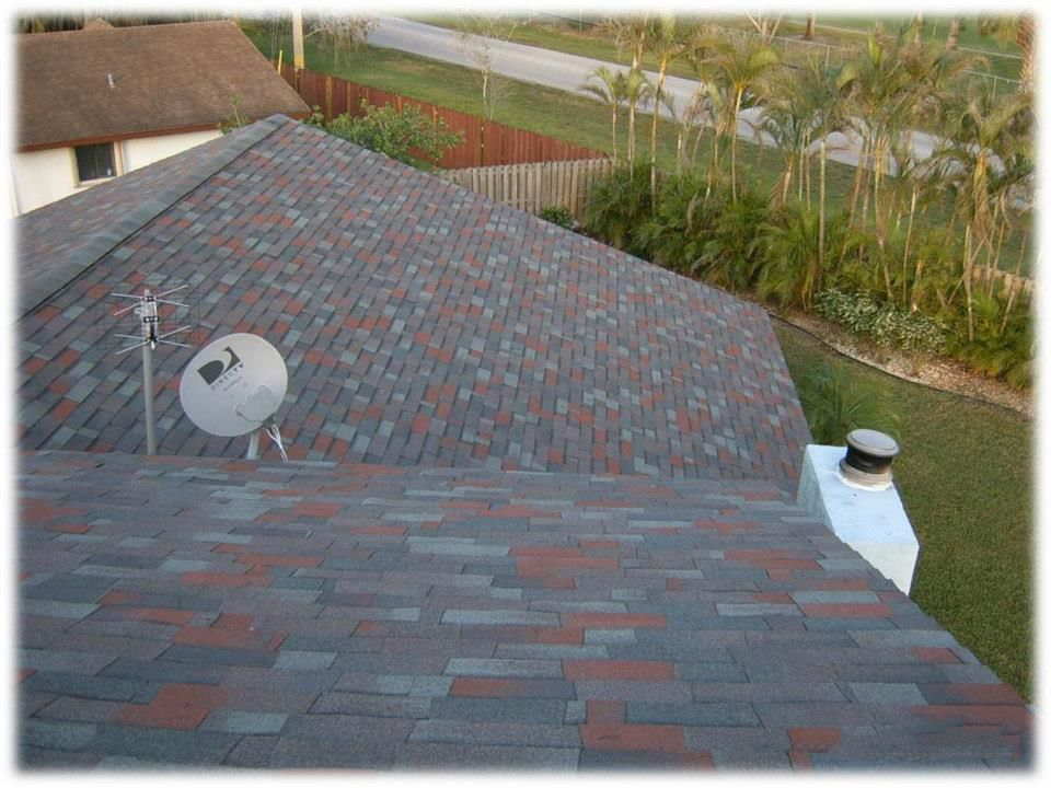 Best Dark Multi Color Shingle Roof Blends Best With Light Gray Or Blue Homes Shingle Roofs 640 x 480