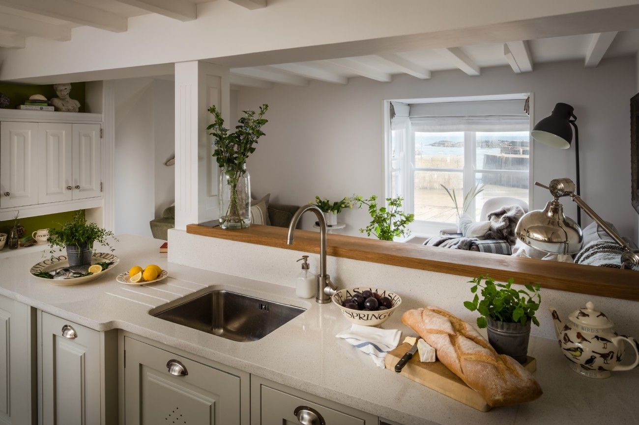 Voyager; luxury harbourside holiday cottage in Mousehole ...