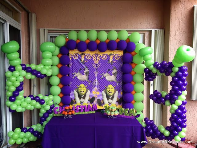 #Shrek and #Puss in boots themed #caketable #decoration #number #banner #balloonarch #kids_party #Birthday  http://www.dreamarkevents.com/