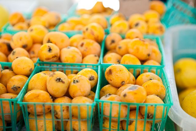 Loquats at the Davis Farmers Market // The Year in Food