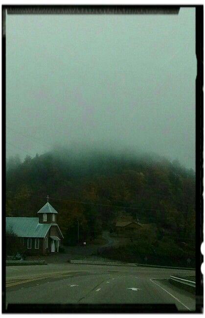 Church on 321#blueridgemountains #blowingrock