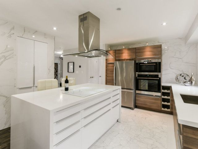IKEA Kitchen - Beautiful Modern White Glossy RINGHULT and ...