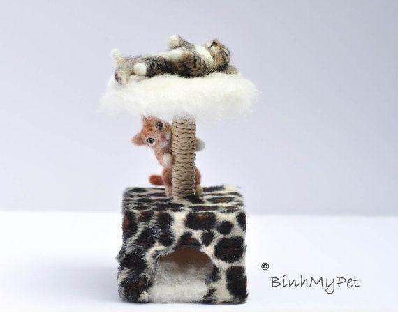 "Dollhouse Miniature Cat Scratch Post w Ball Kitten Pet Toy 1"" scale 1:12 Pink"