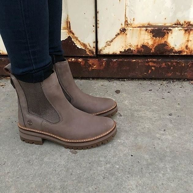 470675ce7feadf Women s Courmayeur Valley Chelsea Boots in 2019