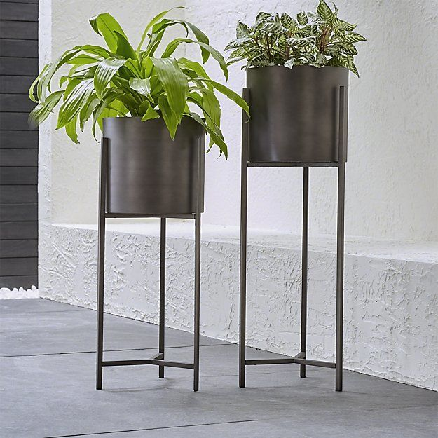 Love These Dundee Floor Planters Aff
