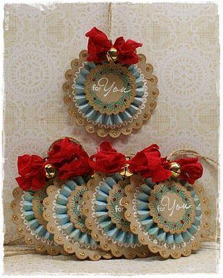 Scallop circle gift tags