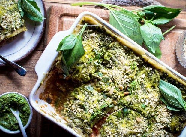 Resultado de imagem para lasanha vegetariana com pesto, abobrinha e molho de ervas