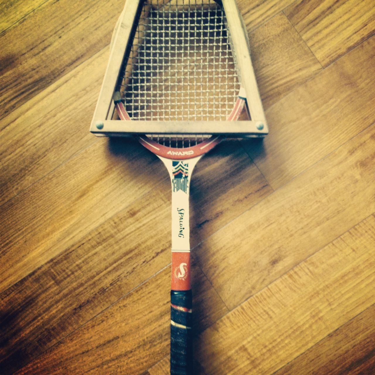 Rare Vintage Spalding Award Model Red Wooden Tennis Racket Circa Late 1950 S Antique Atlanta Alta Tenni Antique Stores Antique Collection Tennis Racket