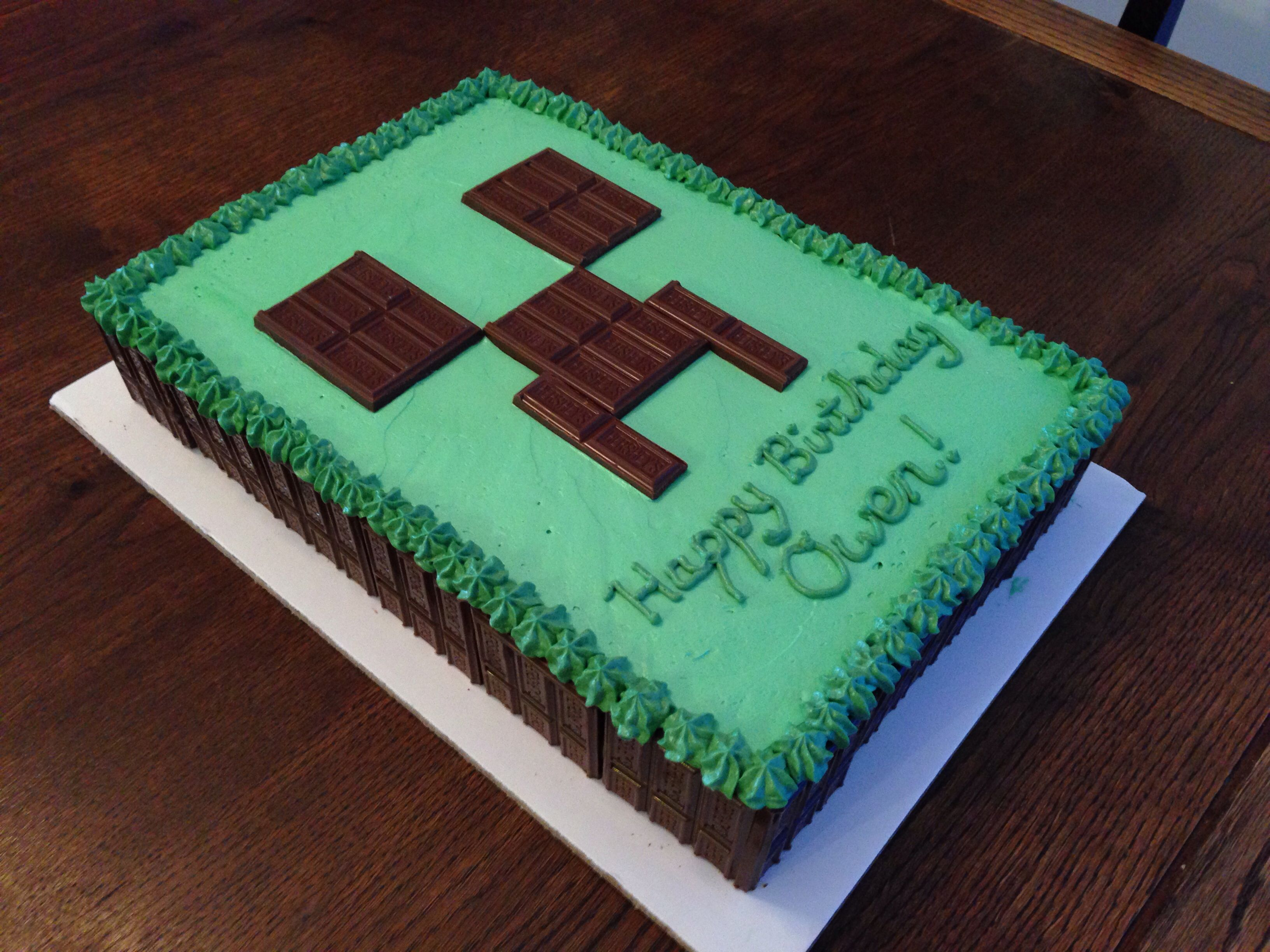 Minecraft Creeper Cake Using Hershey Bars For Creeper Face And Cake Sides Minecraft Birthday Cake Minecraft Birthday Creeper Cake