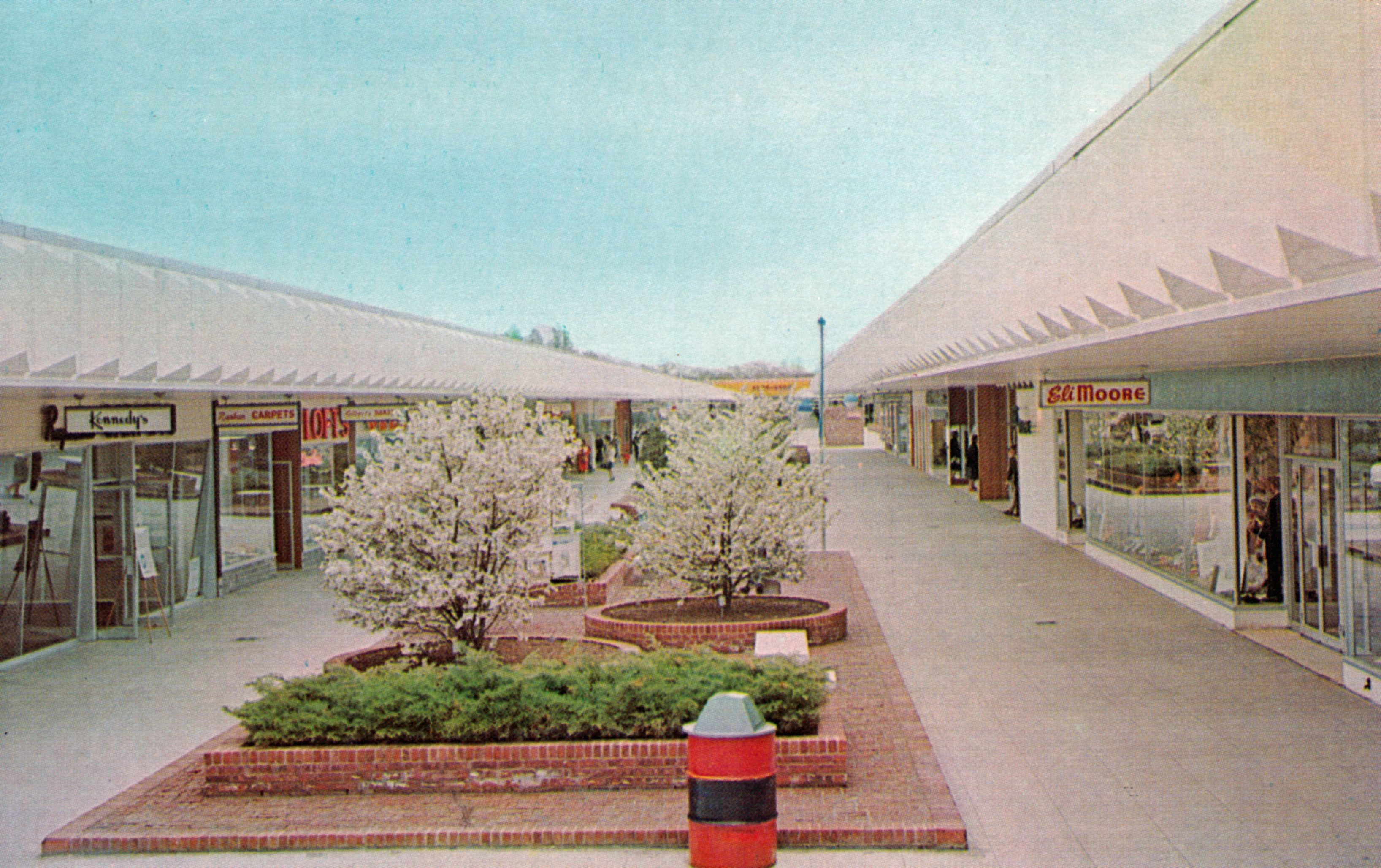 Connecticut post mall late 60s or early 70s old pinterest chrome postcard post center the mall milford ct nvjuhfo Image collections