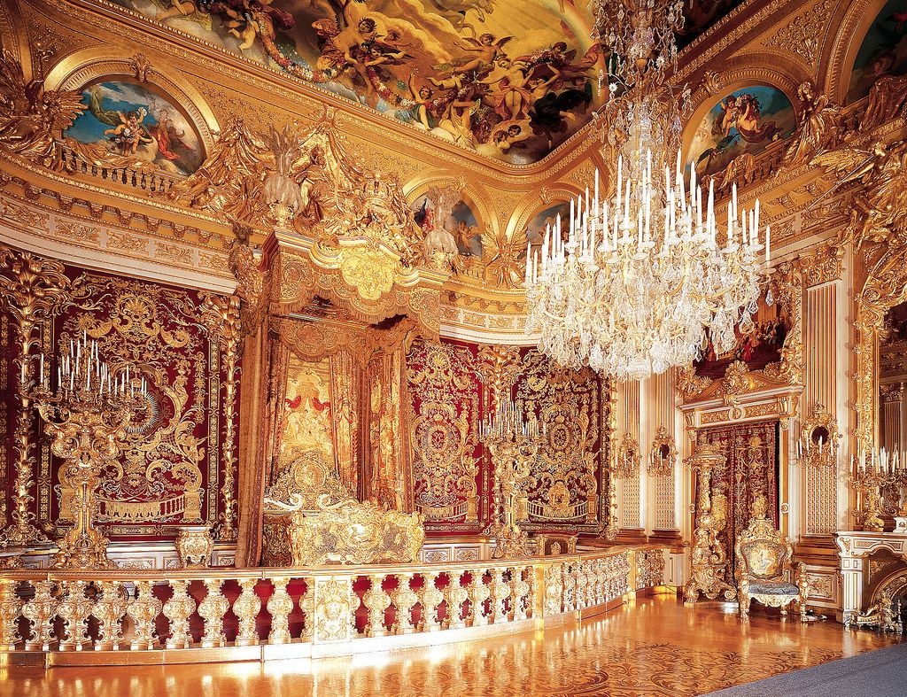 Herrenchiemsee Palace Germany Herrenchiemsee Is A Complex Of Royal Buildings On The Herreninsel An Island In The Chiemsee Bavaria S Largest Lake 60 Km Sout Castles Interior Palace Bavaria