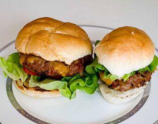 Gordon Ramsey S Healthy Hamburgers Gordon Ramsay S Recipes Gordon Ramsay Recipe Gordon Ramsey Recipes Chef Gordon Ramsay