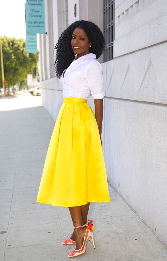 love the yellow skirt and crisp white shirt....but not the fiesta shoes.