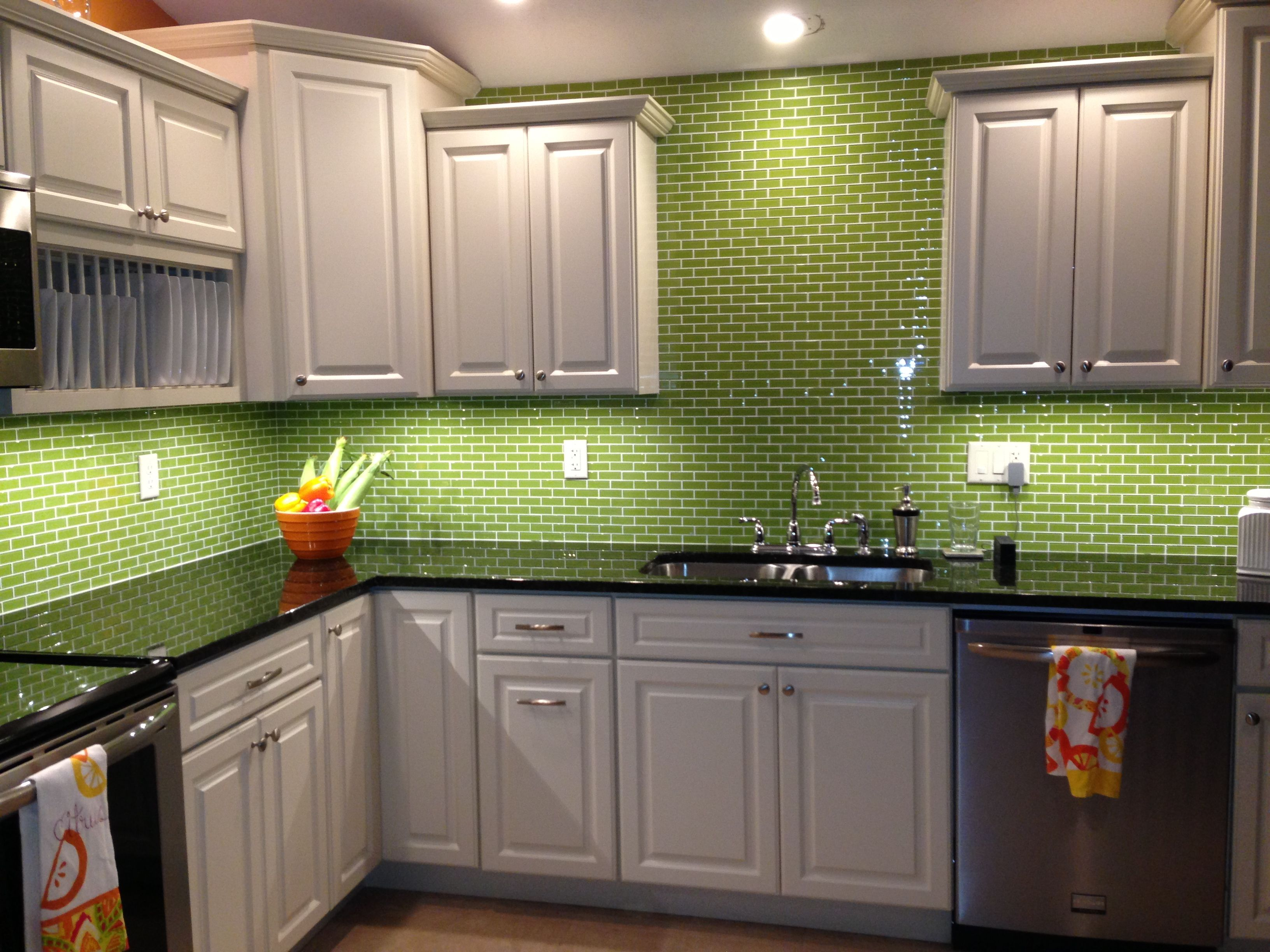 Lime green glass subway tile backsplash kitchen kitchen for Green kitchen pictures