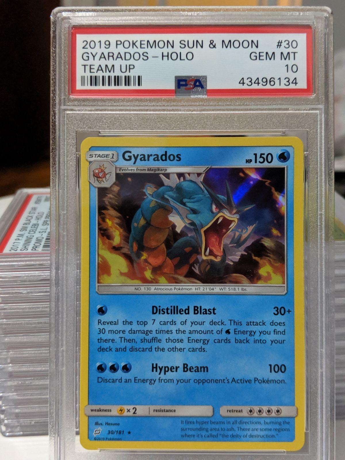 Psa gem mint 10 gyarados 30 from teamp up set pokemon