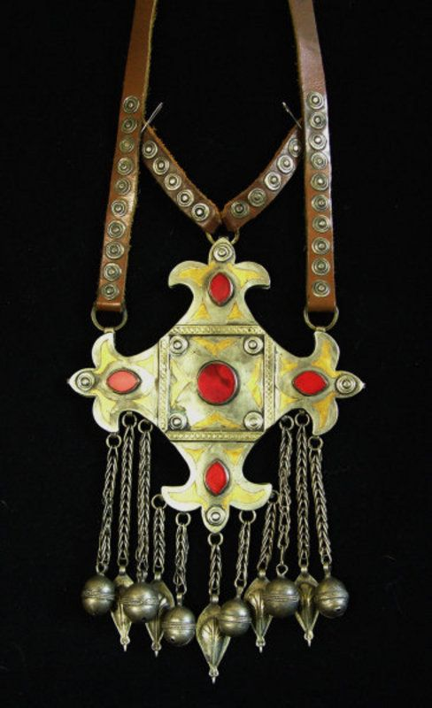 Large Teke Turkomen pendant necklace | 5 flat carnelians and gold wash or 'fire guilded' detail on original leather | ca. pre 1920