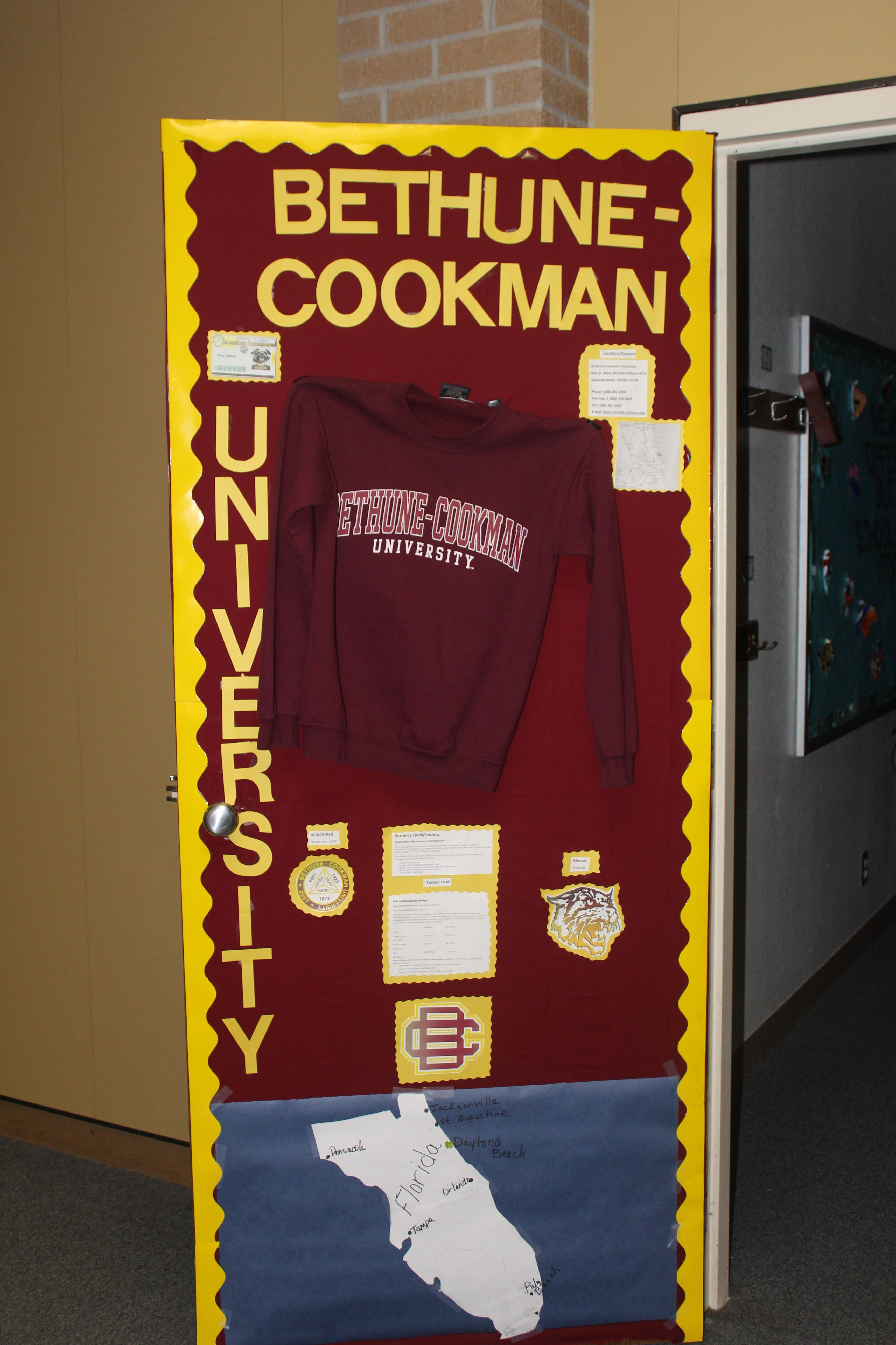 Teachers At Crockett Jr High Held A College Door Decorating Contest Teachers Were Asked To Dec Door Decorating Contest Door Decorations College College Decor