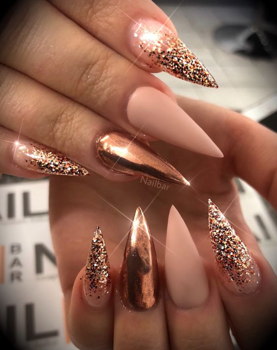 51 Stylish Acrylic Nail Designs For New Year 2019 With Images Idei Unghii Manichiură Modele Manichiură