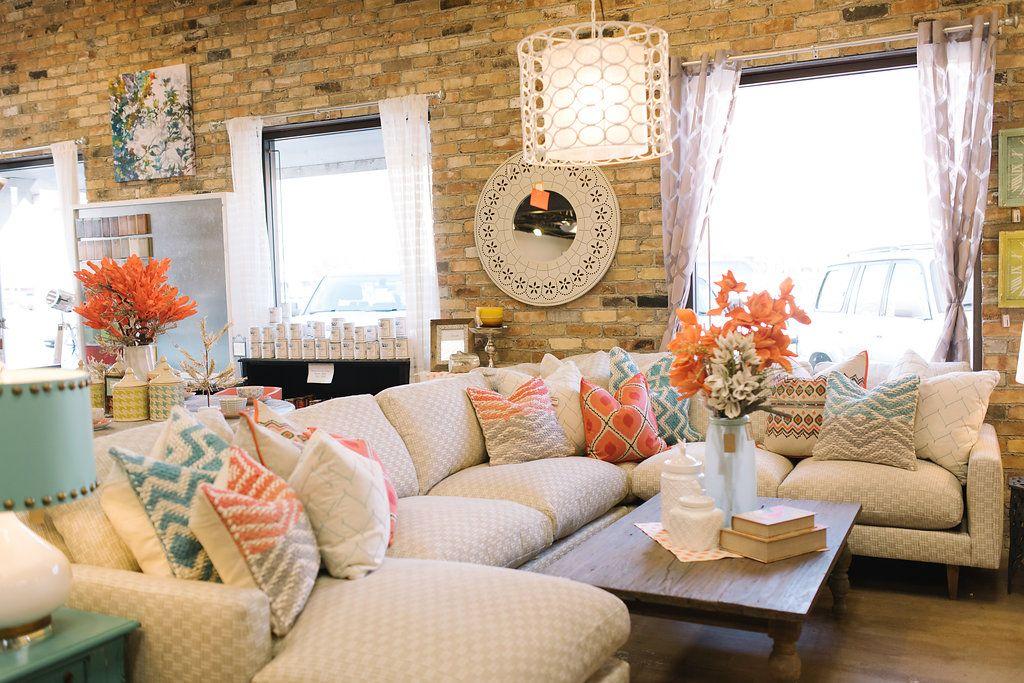 Amazing How To Arrange Pillows On A Sofa Four Chairs Blog Living Spiritservingveterans Wood Chair Design Ideas Spiritservingveteransorg