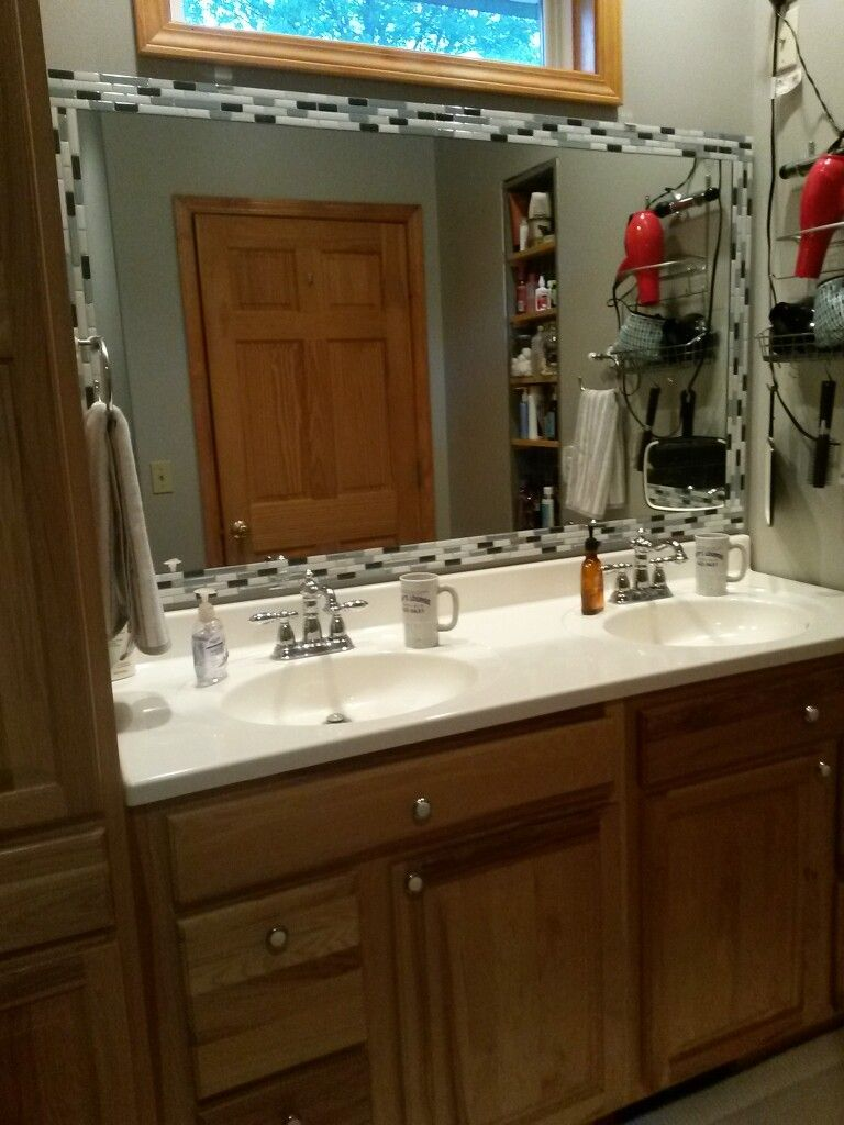 Mirror Makeover W Peel And Stick Tiles Bathroom Mirror Makeover Bathroom Decor Tile Mirror Frame
