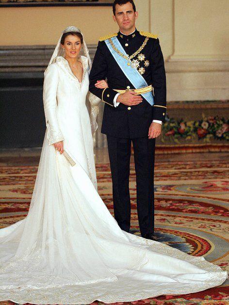 Letizia Von Spanien So Haben Sich Ihre Hochzeitsgaste Verandert Konigliche Hochzeitskleider Konigliche Hochzeit Royale Hochzeiten