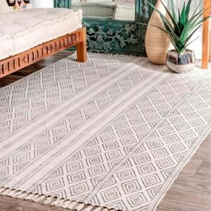 Nuloom Olvera Diamond Off White 5 Ft X 8 Ft Area Rug Rach07a 508 The Home Depot Rugs On Carpet White Area Rug White Rug
