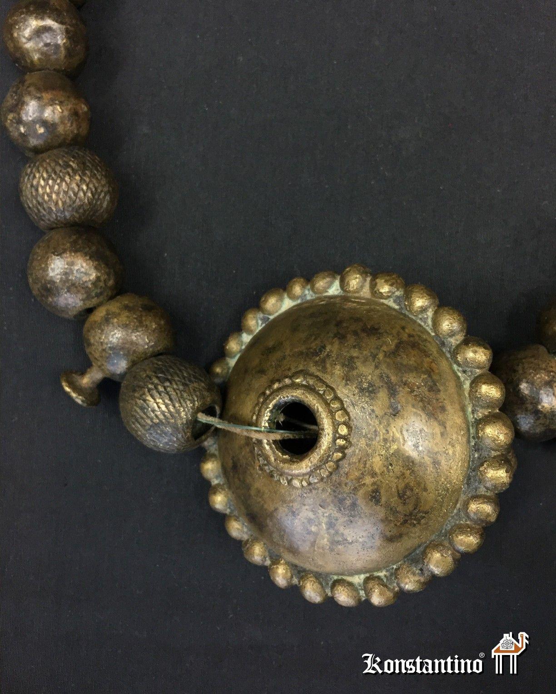 7917b5449163 1324-Afr Collar de la etnia Verre en bronce Nigeria