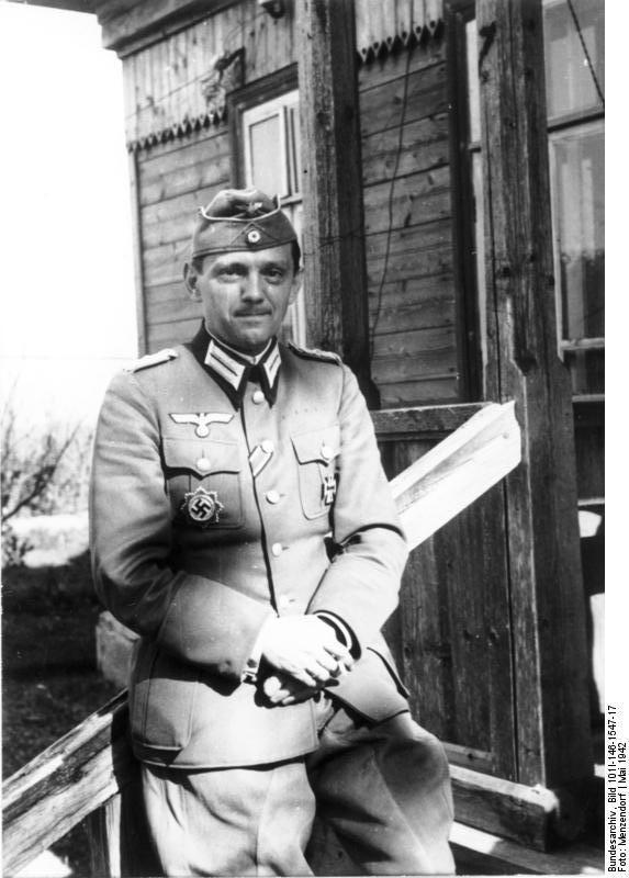 Helmuth Stieff (6 de Junio de 1901 - 8 de Agosto de 1944) fue un general alemán y miembro del OKH (Cuartel General del ejército alemán) durante la Segunda Guerra Mundial. Tomó parte en los intentos de la resistencia alemana para asesinar a Adolf Hitler, el 7 de julio y el 20 de julio de 1944. Él fue colgado por su participación en el complot contra Hitler del 20 de Julio 1944.