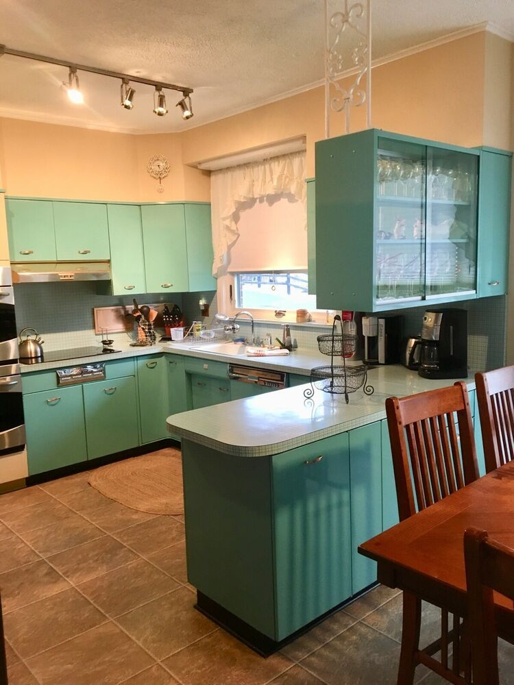 GENEVA 1955 VINTAGE METAL KITCHEN CABINETS TORQUISE ALL ...
