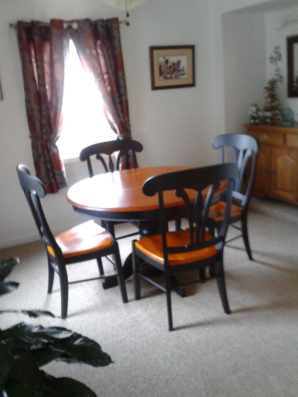 farmhouse table with butterfly leaf