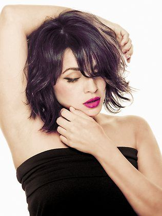 Love Norah Jones\' hair in this pic. Makeup is gorgeous, too. | For ...