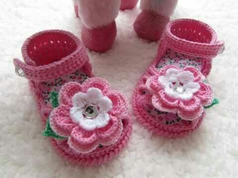 Pin von Elizabeth Cano auf zapatos y zapaticos tejidos | Pinterest