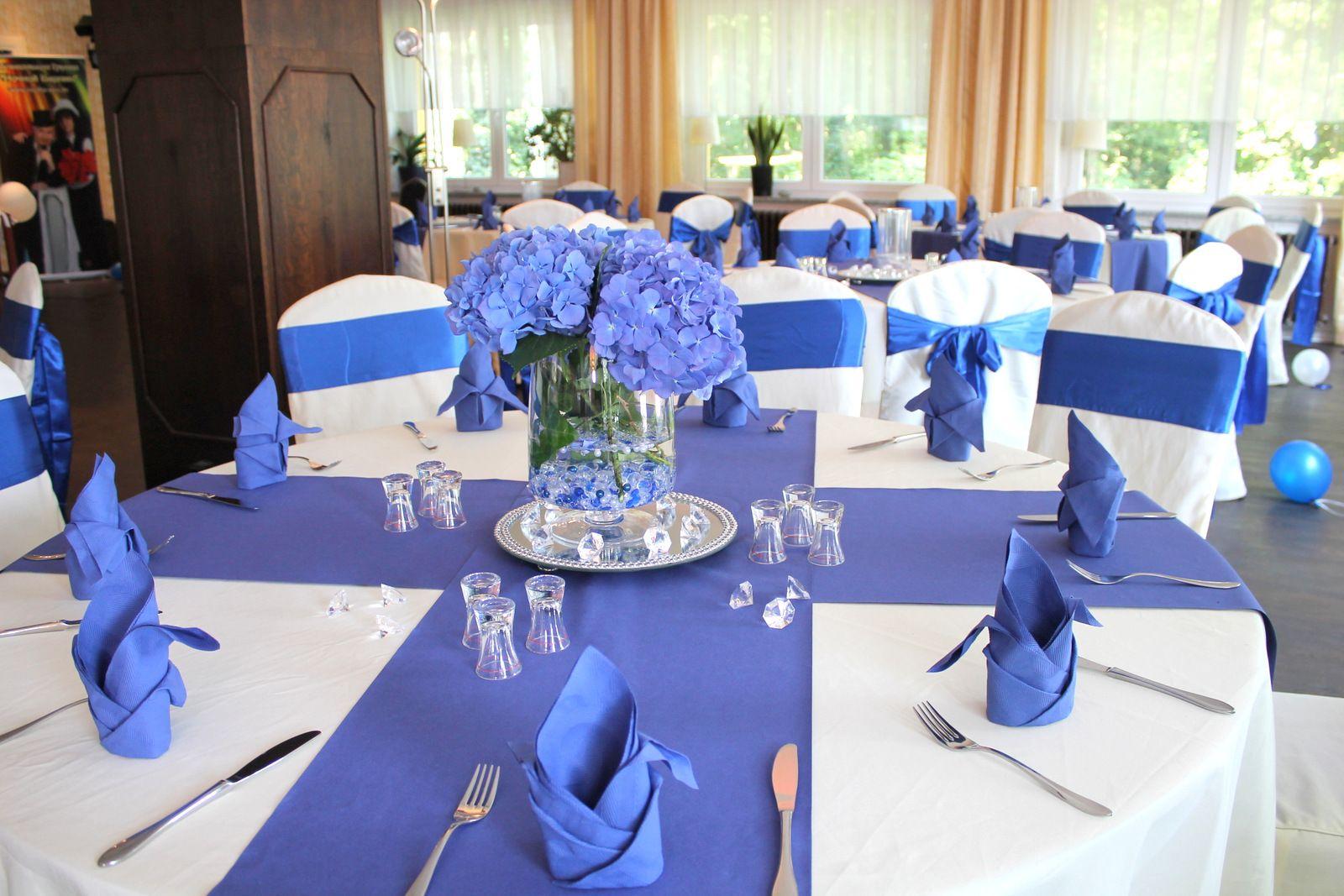 seeschloss am b tzsee hochzeit in k nigsblau dekoration zur hochzeit pinterest wedding. Black Bedroom Furniture Sets. Home Design Ideas