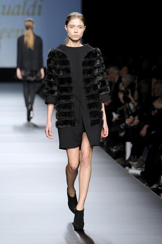 BeeQueen by Chicca Lualdi F/W '12 | love the shape