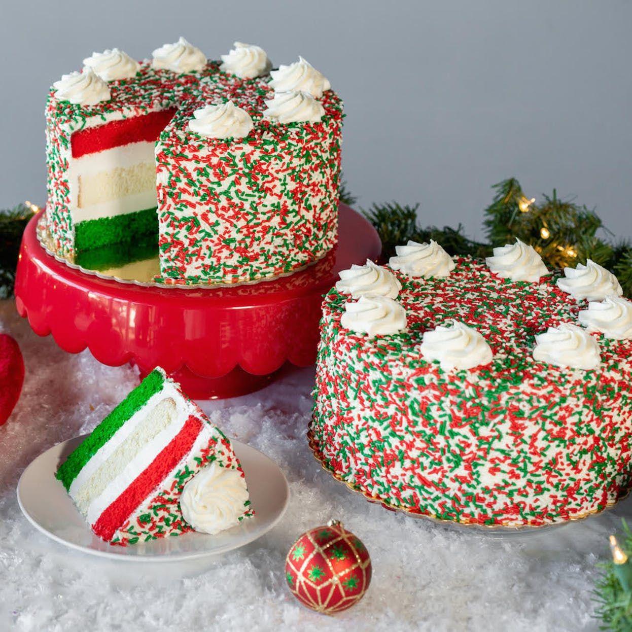 Christmas Cake 10 In 2020 Christmas Cake Vanilla Buttercream Icing Yummy Cakes
